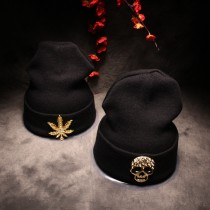 Latest Black Polo Hats With Gold Sign